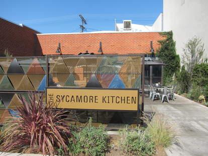 the sycamore kitchen exterior la brea