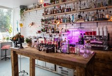 13 New London Bars & Restaurants You Should Try This Month