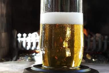 Sonic beer foamer carbonation gadget