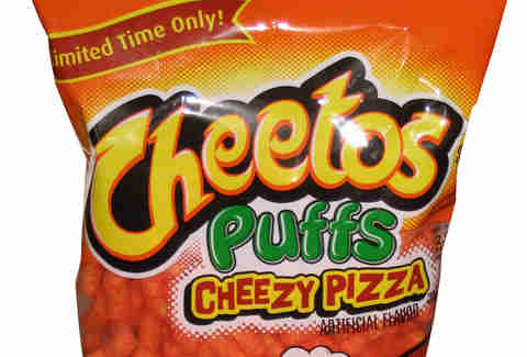 Cheetos pizza puffs