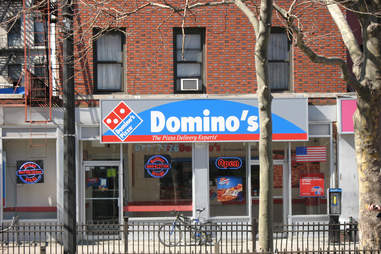 domino's pizza storefront