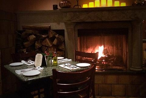 manetta's ristorante long island city new york nyc italian restaurant fireplace interior