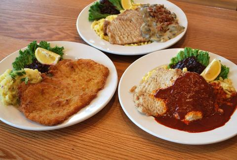 hofbrauhaus cleveland schnitzel hermit club german food