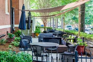 Bonterra dining & wine room outdoor eating area