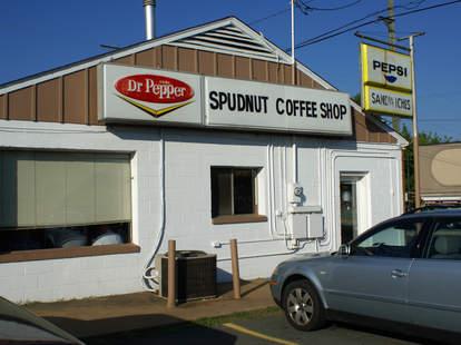 exterior of spudnuts doughnuts in charlottesville virginia