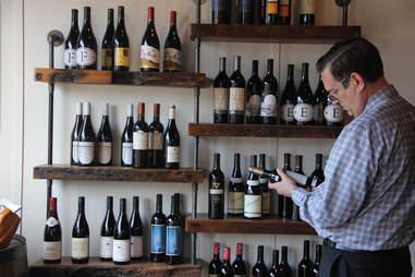 Vines & Canines, Louisville Wine bars, wine