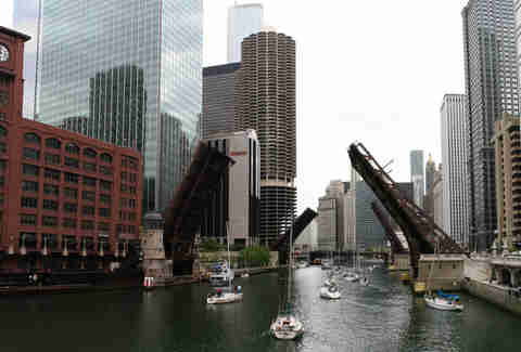 Chicago River, buildings, boats in the water