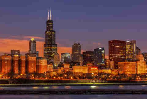 willis tower, chicago skyline at night