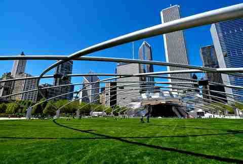 millennium park and chicago skyline
