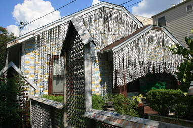 Exterior of The Beer Can House in Houston, Texas