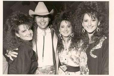 Dwight Yoakam, country music, San Antonio