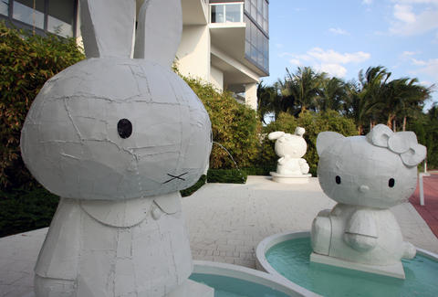 hello kitty art at W Hotel South Beach
