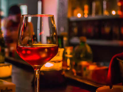 wine glass, wine, wine bar