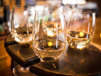 wine flight, wine, wine glasses, white wine
