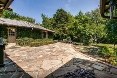 dallas mansion home airbnb driveway