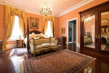 new orleans airbnb mansion bedroom interior