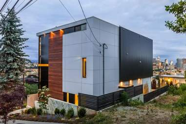 seattle airbnb cube house