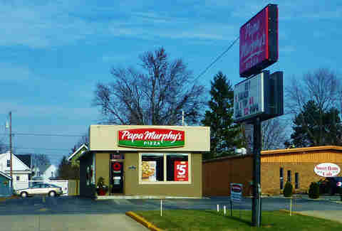 Exterior of Papa Murphy's Pizza