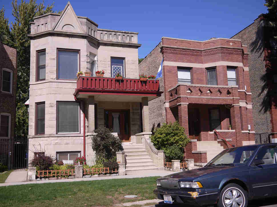 Various single-family homes and 2-flats in Lincoln Square