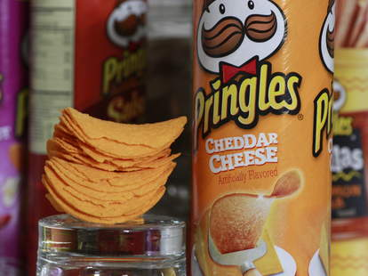 cheddar cheese pringles