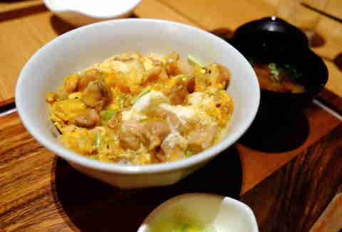 oyakodon close up meal japanese chicken dish