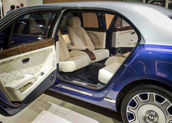 Bentley Mulsanne Grand Limousine by Mulliner Geneva Auto show 2016