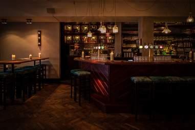 interior of Walter Woodbury Bar
