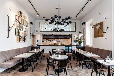 morgan & mees bar interior