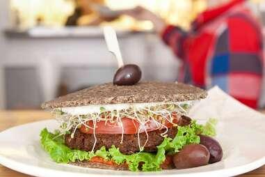 Crudessence healthy burger
