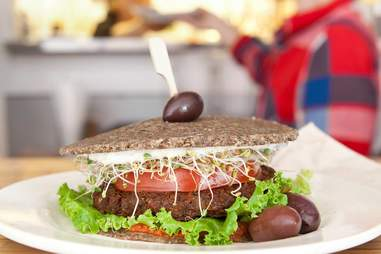 Crudessence healthy burger