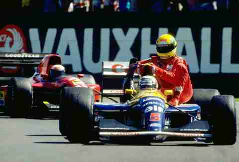 Mansell gives Senna a Lift