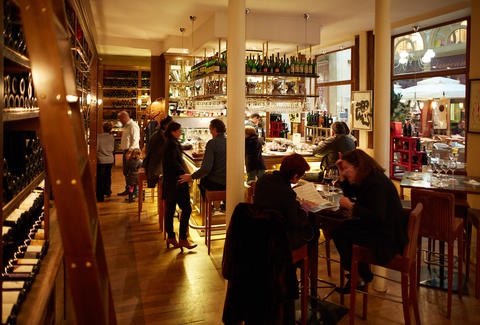 Le Grand Filles et Fils interior Best Wine Bars in Paris