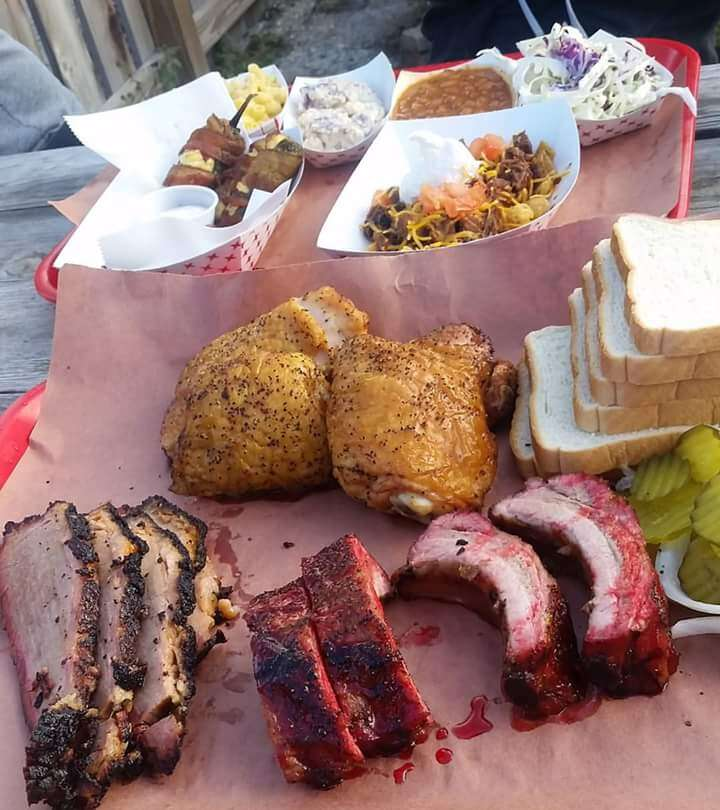 B&D Ice House best barbecue bbq in San Antonio