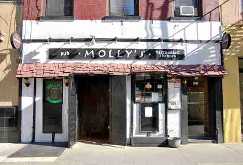 Molly's Sheeben exterior best Irish Bars in NYC