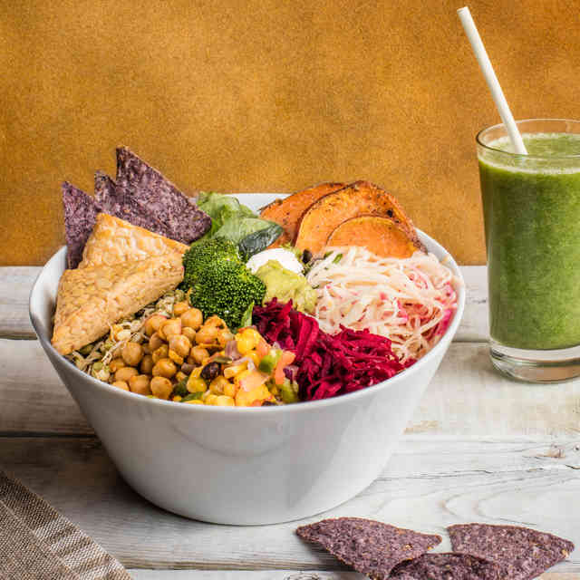 The Best Healthy Lunch Spots in Downtown Montreal