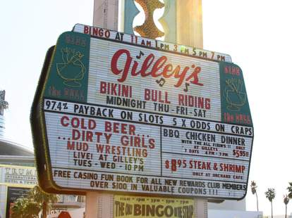 Gilley's las vegas sign