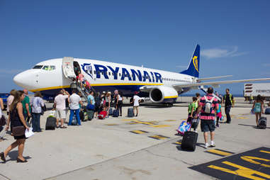 RyanAir plane boarding passengers
