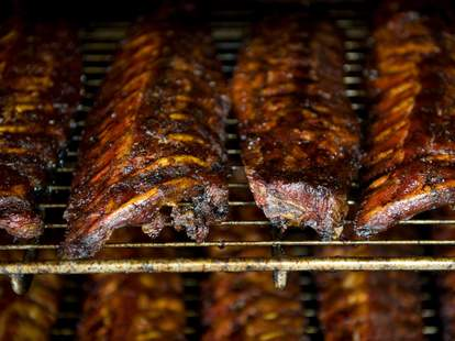 Squealers BBQ, rack of ribs