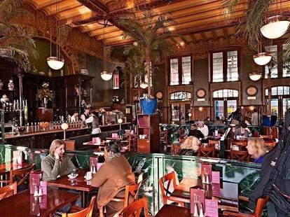 Grand Cafe 1e Klas in Centraal Station, Amsterdam