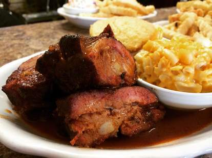 His Place Eatery - Chicken & Waffle, Ribs, and Soul Food