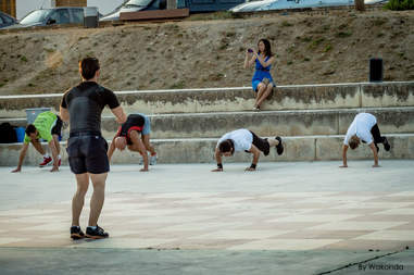 group fitness, people doing burpees
