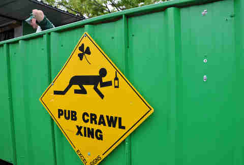pub crawl xing sign
