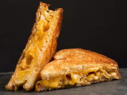 grilled cheese on white bread
