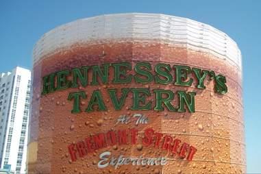 hennessey's tavern las vegas exterior sign