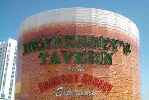 hennessey's tavern las vegas exterior sign