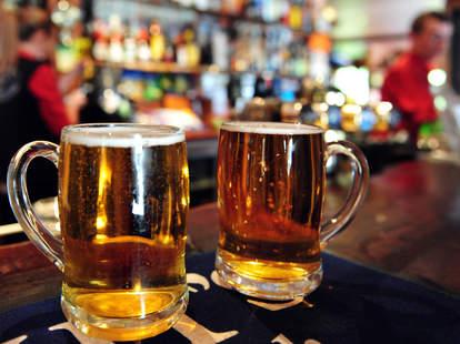 two pints of beer at an irish pub philadelphia