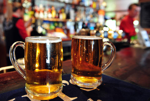 two pints of beer at an irish pub philadelphia