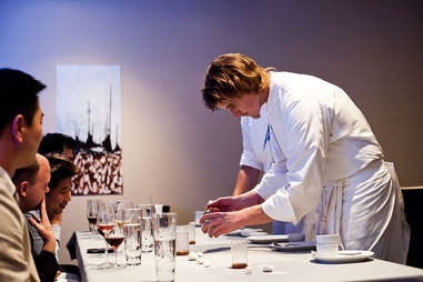 grant achatz celebrity chef chicago restaurant guide