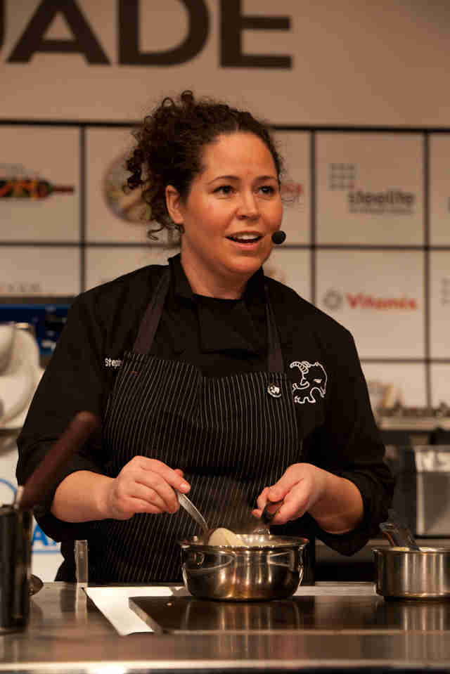 stephanie izard celebrity chef restaurants chicago