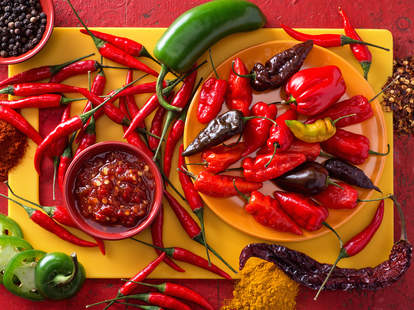 Why Do Some People Like Spicy Food and Others Can't Handle It? - Thrillist